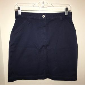 Brooks Brothers skirt, solid navy blue w/ pockets!